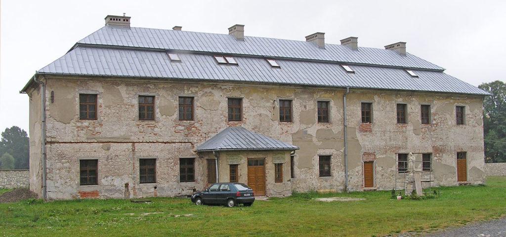 Dawna szkoła, dziś dom rekolekcyjny